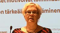 Aija Karttunen Vaikuttamisen väylät tulevaisuuden Suomessa -seminaarissa