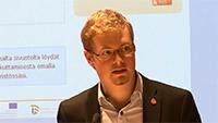 Jussi Kukkola Vaikuttamisen väylät tulevaisuuden Suomessa -seminaarissa